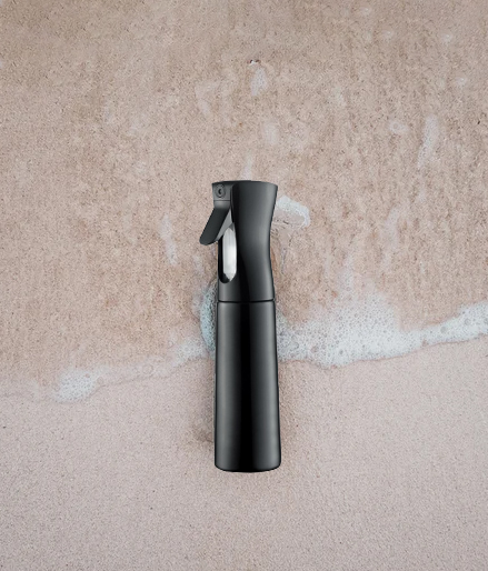 black moisturizing spray bottle